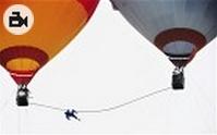 acrobat_falling_balloons_china